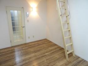 https://image.rentersnet.jp/4657d2af-d19f-4d96-a551-391994223b25_property_picture_2988_large.jpg_cap_居室