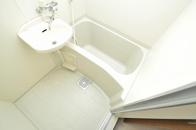 サイレストSB ちょうどいいサイズのお風呂です。お掃除も楽にできますよ。