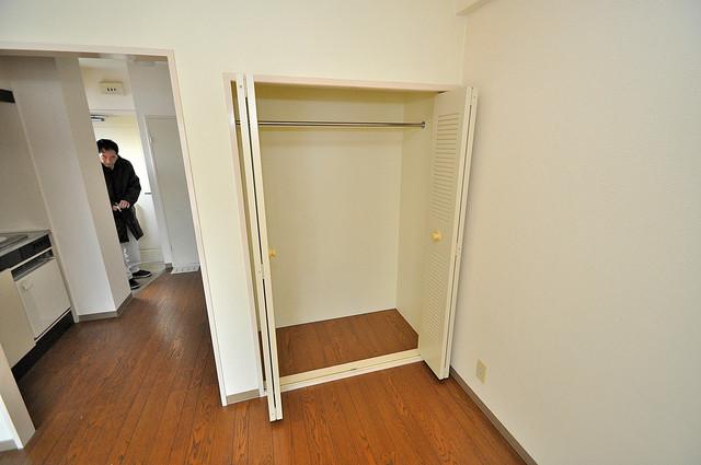 グリーンハウス 大容量のクローゼットは荷物が多い方も安心ですよ。