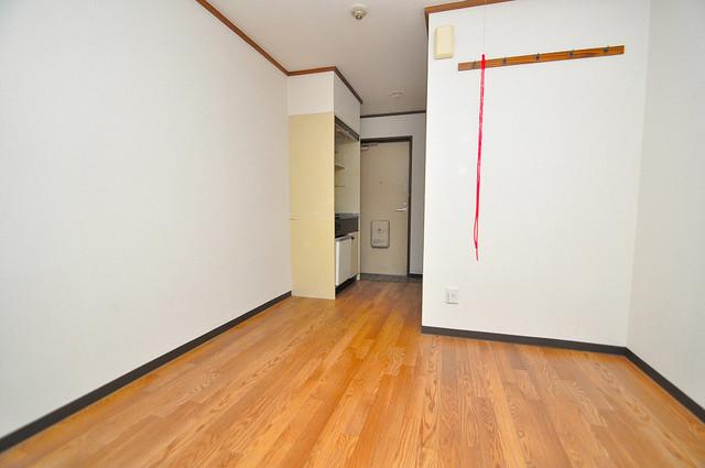 コーポフェルメール 白を基調とした内装でおしゃれで、落ち着ける空間です。