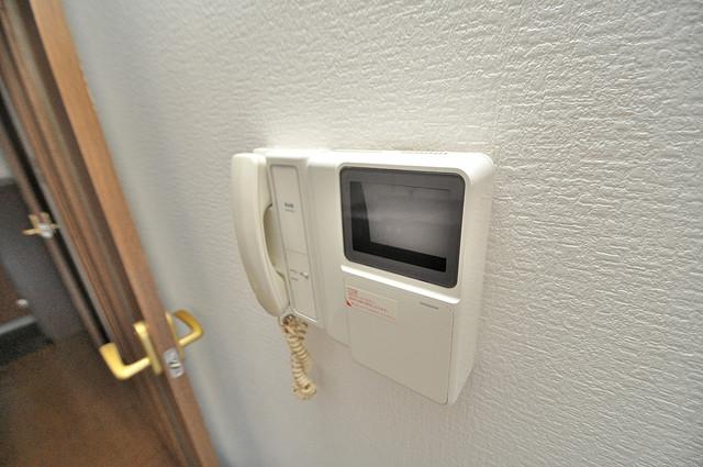 ウエンズ小路 モニター付きインターフォンでセキュリティ対策もバッチリ。
