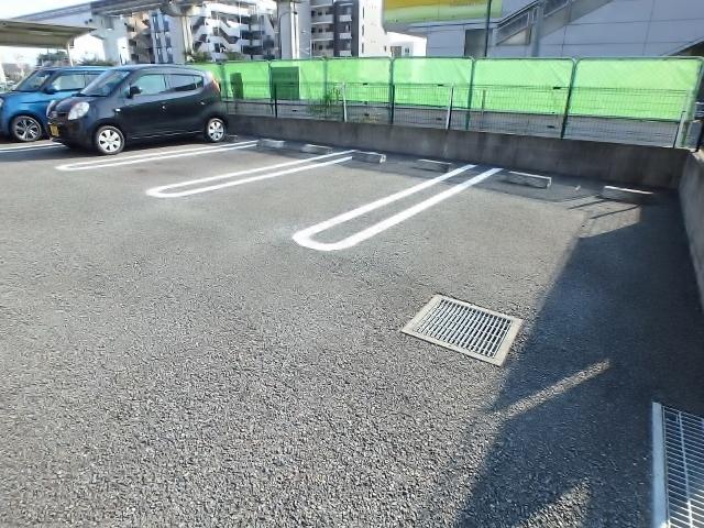 グラツィオーソ駐車場