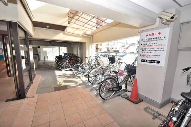 星和ビル 屋内にある駐輪場は大切な自転車を雨から守ってくれます。