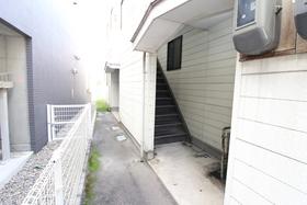 https://image.rentersnet.jp/472c147d-3a39-4d4f-a679-721a097cc9d1_property_picture_958_large.jpg_cap_エントランス