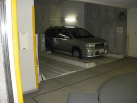 レジディア九段下駐車場