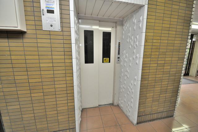 OMレジデンス八戸ノ里 嬉しい事にエレベーターがあります。重い荷物を持っていても安心