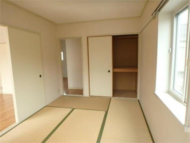 レジデンス戸井田居室