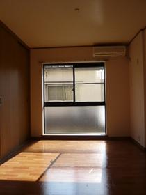 メゾンマルス 203号室