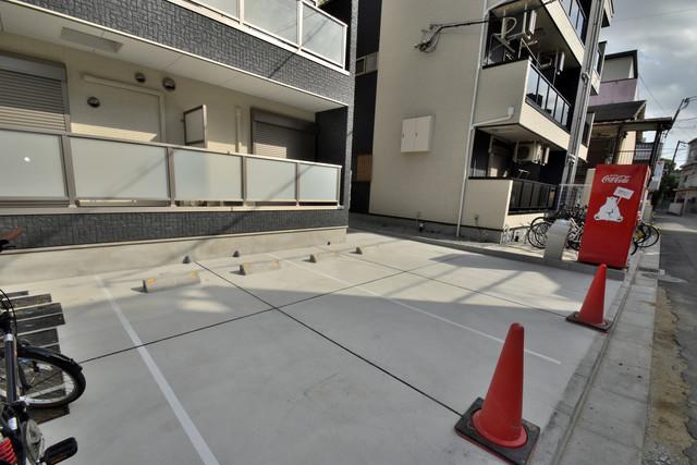 Lumiere長瀬Ⅱ(ルミエール) 敷地内には駐車場があり安心ですね。