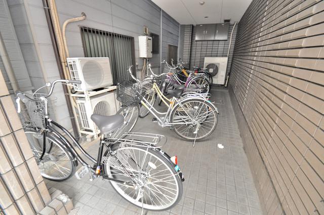 CTビュー小阪 あなたの大事な自転車も安心してとめることができますね。