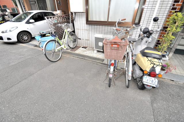 ブリリアント神路 あなたの大事な自転車も安心してとめることができますね。