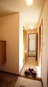 https://image.rentersnet.jp/487532d0-6f82-4318-b093-7c54785dfde1_property_picture_9494_large.jpg_cap_玄関