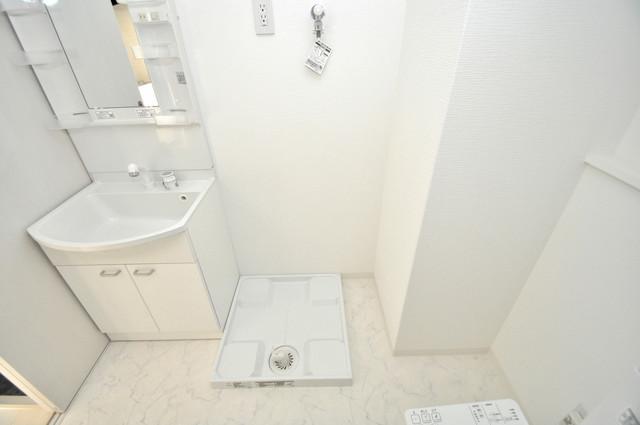 JPレジデンス大阪城東Ⅱ 洗濯機置場が室内にあると本当に助かりますよね。
