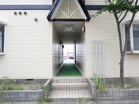 https://image.rentersnet.jp/48b5c3ec-8a59-4555-af93-0e363c8b4a0a_property_picture_955_large.jpg_cap_エントランス