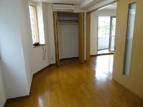 https://image.rentersnet.jp/48bf33e34d5a766047bd2e3abe335ec4_property_picture_1992_large.jpg_cap_居室