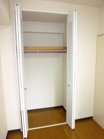 DK横4.8帖洋室のクローゼット