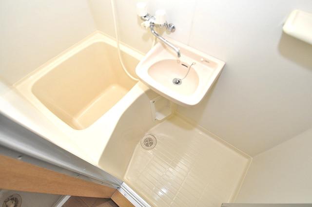 ロンモンターニュ小阪 ゆったりと入るなら、やっぱりトイレとは別々が嬉しいですよね。