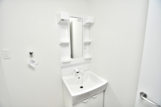 solana岸田堂 独立した洗面所には洗濯機置場もあり、脱衣場も広めです。