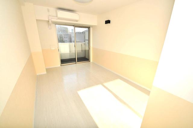 エグゼ大阪城東 陽当りの良いベッドルームは癒される心地良い空間です。