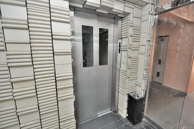 小若江スカイハイツ 嬉しい事にエレベーターがあります。重い荷物を持っていても安心