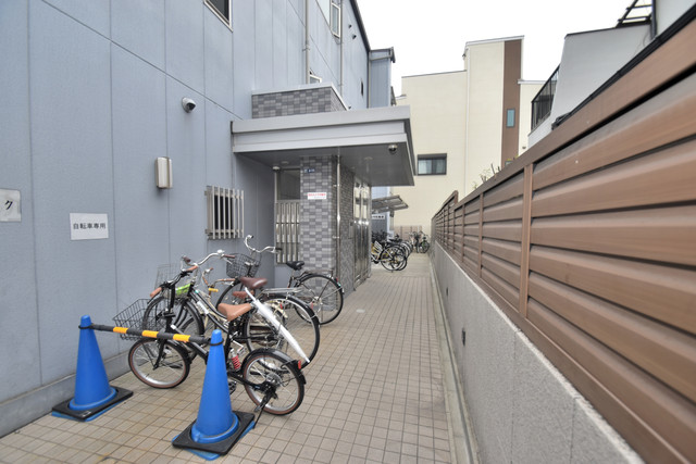 ターフィーズフラット小阪本町 オシャレなエントランスは安心のオートロック完備です。