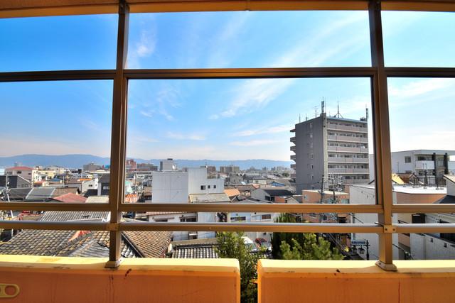 サンオークスマンション この見晴らしが陽当たりのイイお部屋を作ってます。