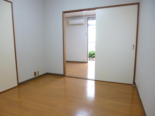 石塚ハウス居室