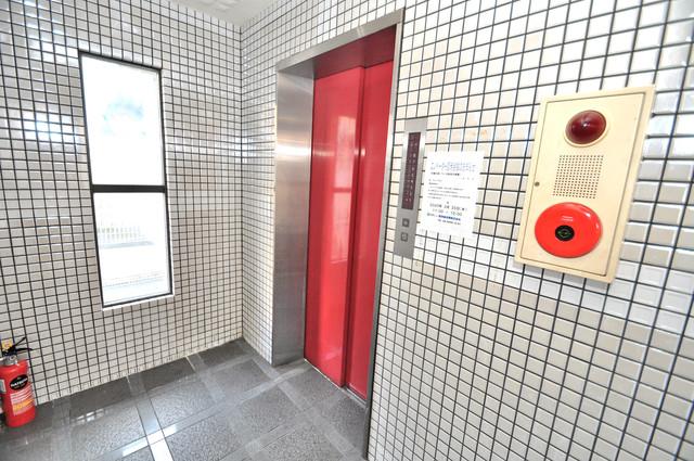 アドバンス渋川 ペントハウス 嬉しい事にエレベーターがあります。重い荷物を持っていても安心