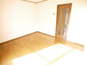 https://image.rentersnet.jp/4aad3964-cc27-4b85-bcfe-c560f727f75d_property_picture_957_large.jpg_cap_居室
