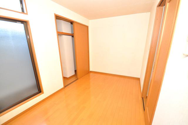 アドバンス俊徳 陽当りの良いベッドルームは癒される心地良い空間です。