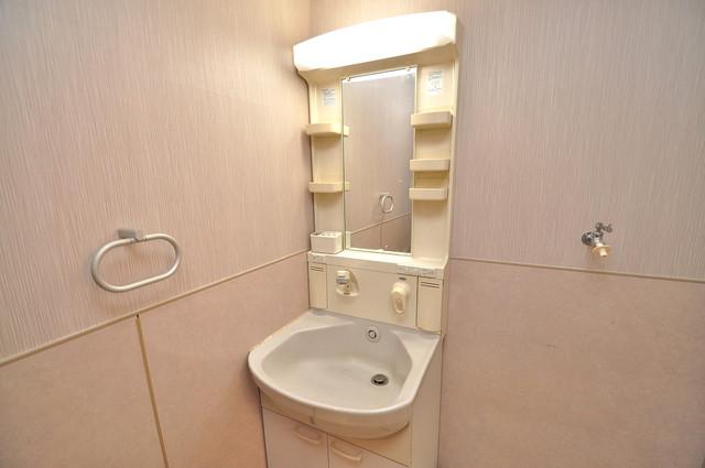 トリニティ加美東 人気の独立洗面所はゆったりと余裕のある広さです。