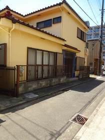 西沢アパート駐車場