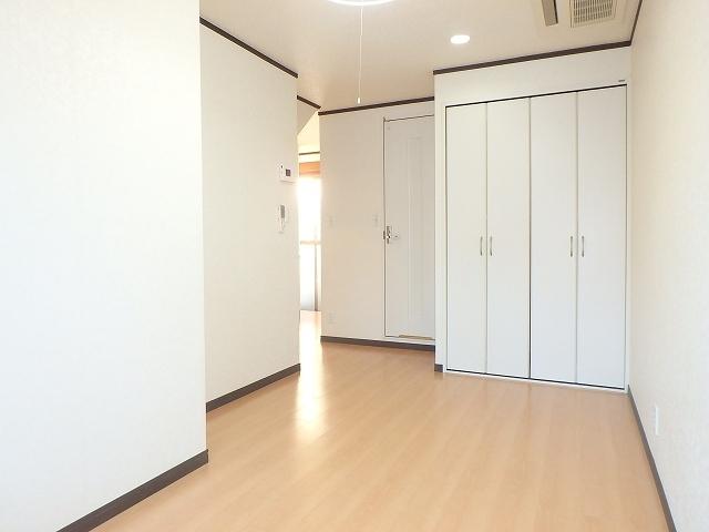 ロイヤルコート桜新町居室