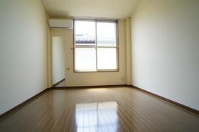 https://image.rentersnet.jp/4bb3e98c-d298-4f35-8087-bb2c0e5668ca_property_picture_960_large.jpg_cap_他号室の参考写真