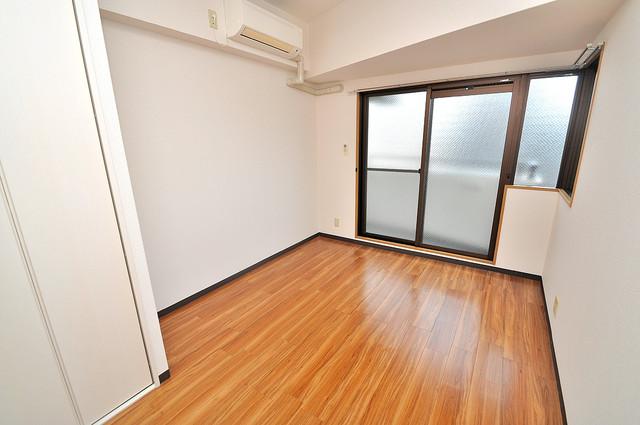 オーキッド・ヴィラ今里 明るいお部屋は風通しも良く、心地よい気分になります。