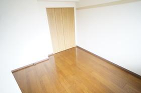 https://image.rentersnet.jp/4bd672e0495d2b0f9d600977962513c3_property_picture_1800_large.jpg_cap_洋室6.2帖