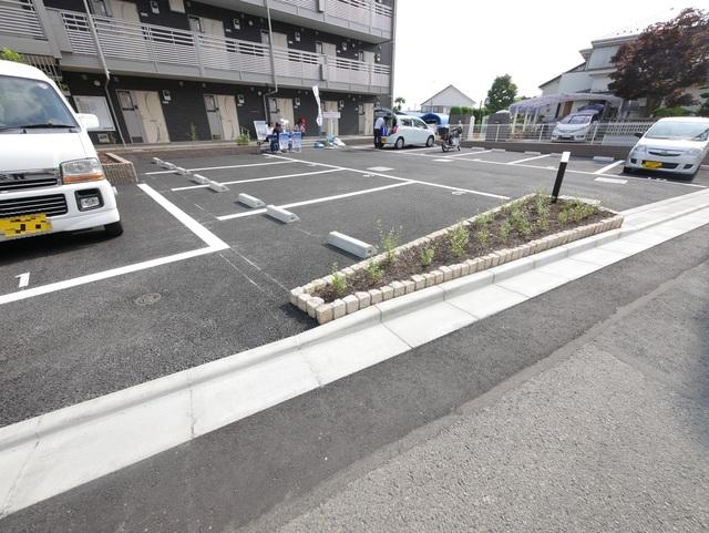 ミランダグランルミエール駐車場