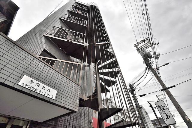 金沢ビル 存在感があって、とてもオシャレな外観のマンションです。