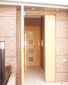 表参道駅 徒歩8分エントランス