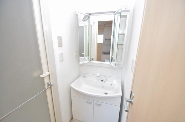 グランスイート 人気の独立洗面所はゆったりと余裕のある広さです。