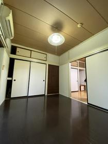 https://image.rentersnet.jp/4c667190-788f-4e22-b1d7-97cf7e774c89_property_picture_953_large.jpg_cap_内装