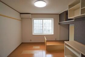 https://image.rentersnet.jp/4c6dcc8b-bc22-4a93-a884-0a4b50ec4adf_property_picture_956_large.jpg_cap_居室