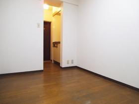 5帖の広さがあるお部屋です!