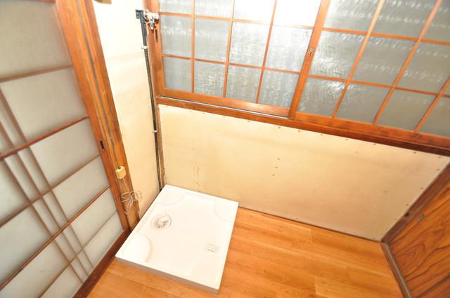 大蓮東5-5-12 貸家 嬉しい室内洗濯機置場。これで洗濯機も長持ちしますね。