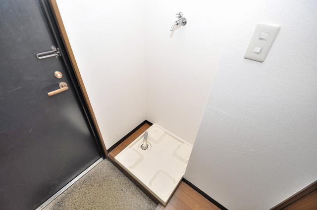 サンライズヒルズ 室内に洗濯機置き場があれば雨の日でも安心ですね。