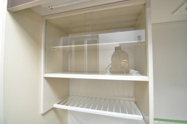 清洲プラザ高井田 キッチン棚も付いていて食器収納も困りませんね。
