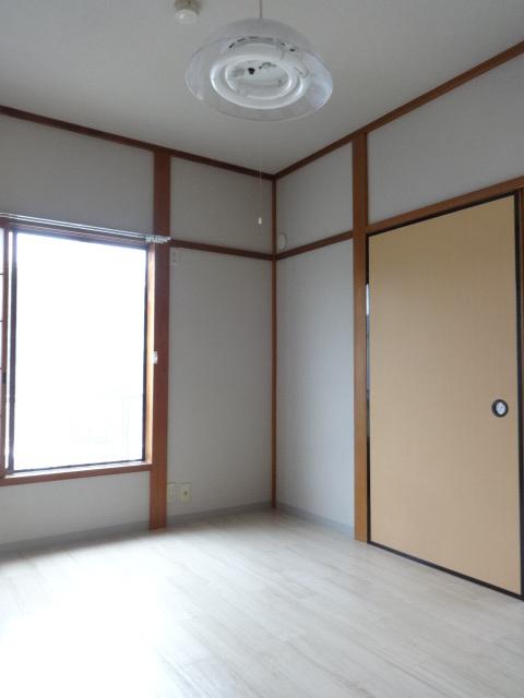 ファミールタガワA居室