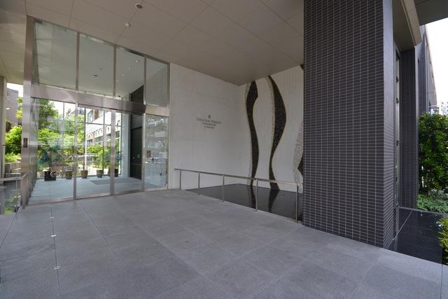 大塚駅 徒歩10分エントランス