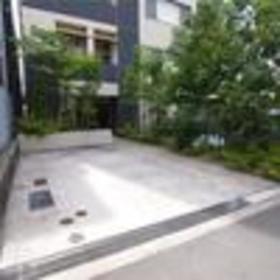 本駒込駅 徒歩2分エントランス