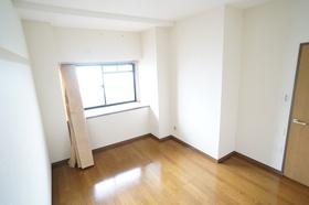 https://image.rentersnet.jp/4e789019643594f63b6455268310e00b_property_picture_1800_large.jpg_cap_洋室6.2帖